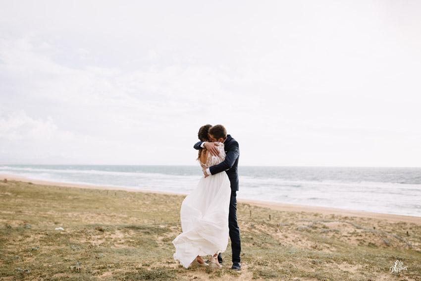 l'amour fou plage landaise tresses africaines et chaines dorees wedding on the beach seignosse landes south west france