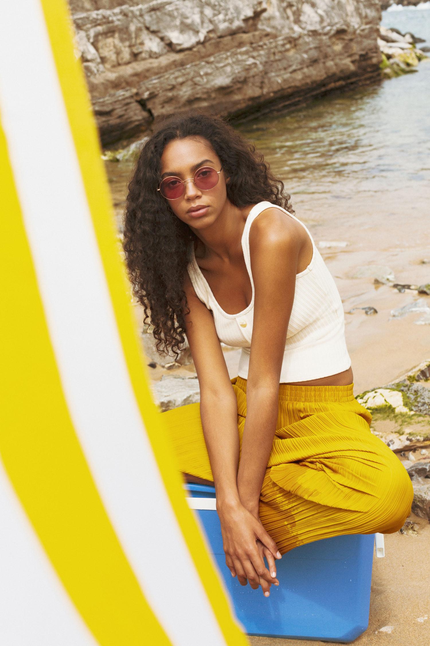 afro curly hair beach style eglantie reigniez