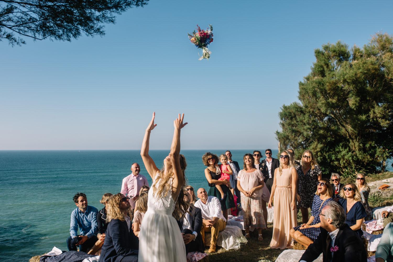 mariage a la plage à Guéthary au pays Basque mariage bohème coiffure eglantine reigniez