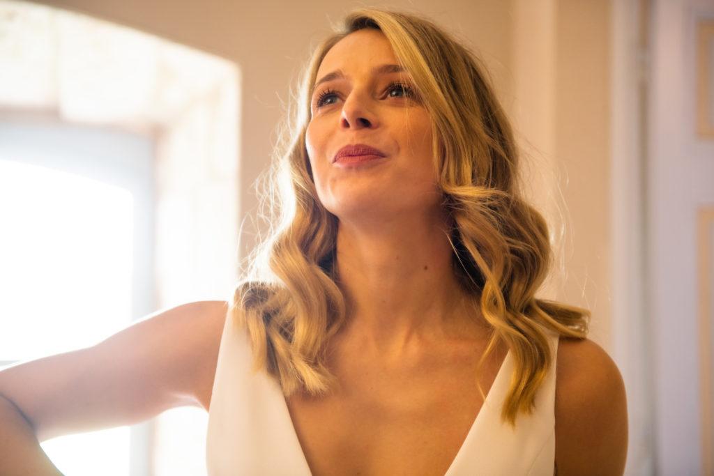 cool wavy hair pour mariée moderne par Eglantine Reigniez
